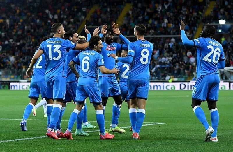 Napoli miażdży Udinese. Zespół Zielińskiego liderem Serie A