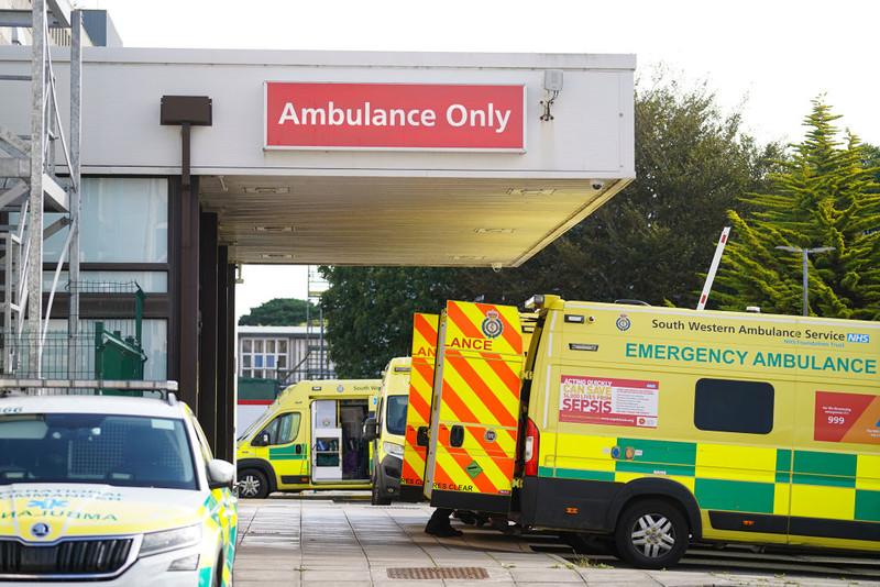 Polka z UK skazana za ugryzienie ratownika medycznego