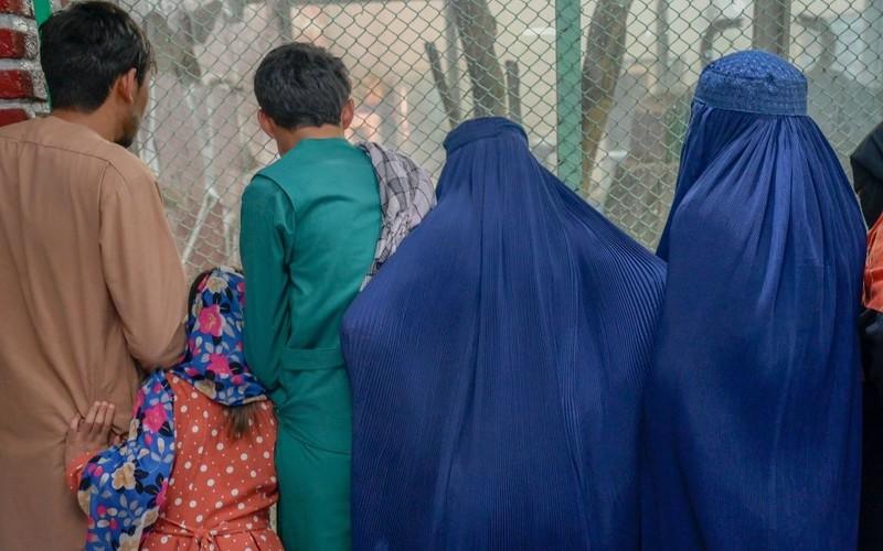 Rząd UK przez pomyłkę ujawnił dane tłumaczy ukrywających się w Afganistanie
