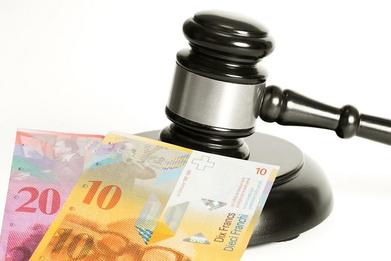 W Polsce frankowicze górują nad bankami