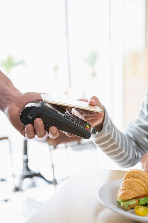 Android Pay goes live in Poland with support from 3 banks and 400,000 retail locations
