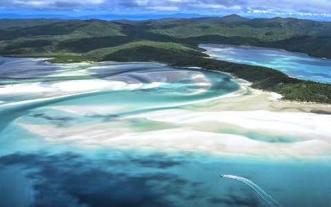 Australijska Whitehaven Beach najpiękniejszą plażą świata