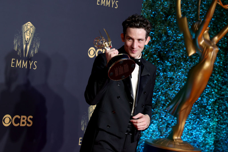 """""""The Crown"""" króluje podczas 73. edycji nagród Emmy"""