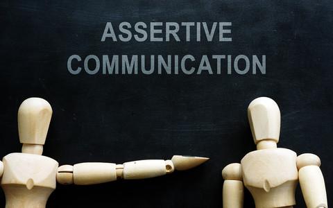 Jak być asertywnym? 3 podstawowe techniki asertywności