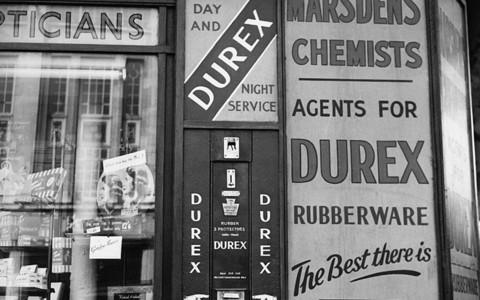 Kartka z historii: Londyn, prezerwatywy Durex i polski imigrant