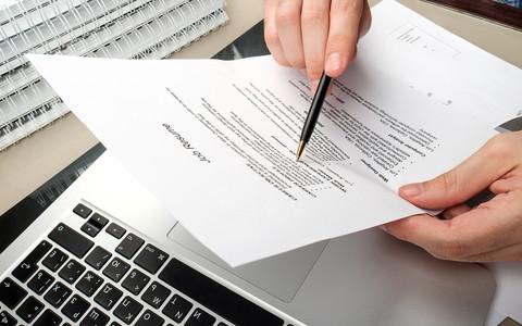 Szukasz pracy? Unikaj tych 7 błędów w swoim CV