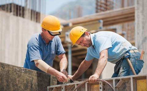 Polak uzyskuje pół miliona funtów odszkodowania za wypadek na budowie