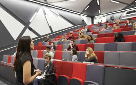 Informatory szkół wyższych w UK i dni otwarte