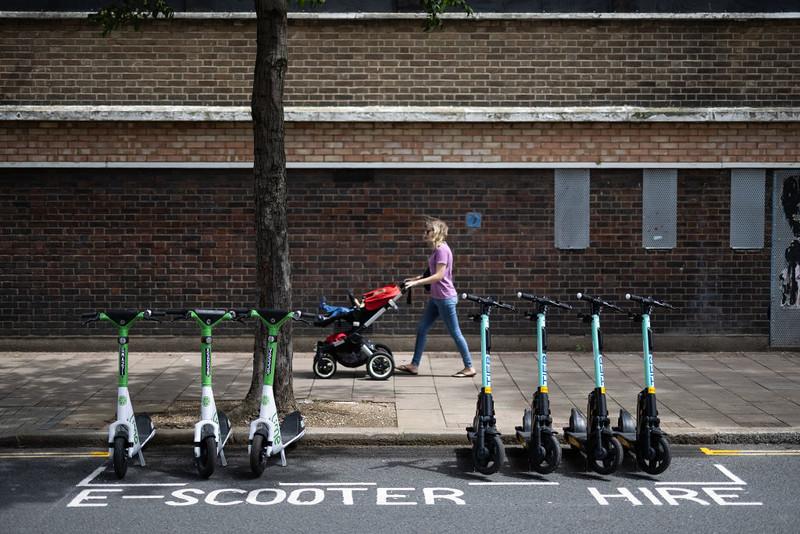 Hulajnogi elektryczne - jak legalnie z nich korzystać w Londynie?