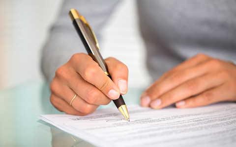 Umowa o pracę na Wyspach