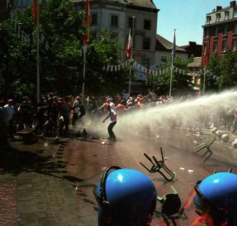 Protesty i zamieszki na ulicach
