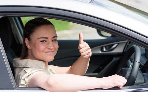 Opłaty za samochód w UK