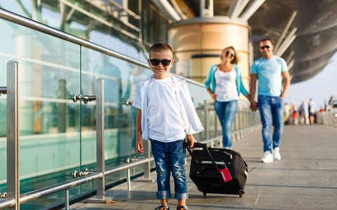 Przyjazd dzieci do Wielkiej Brytanii